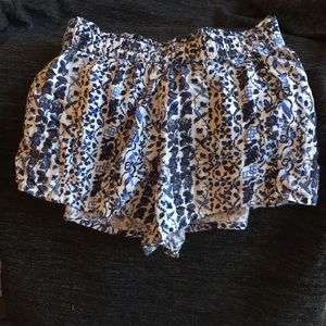 Abercrombie kids blue printed shorts.